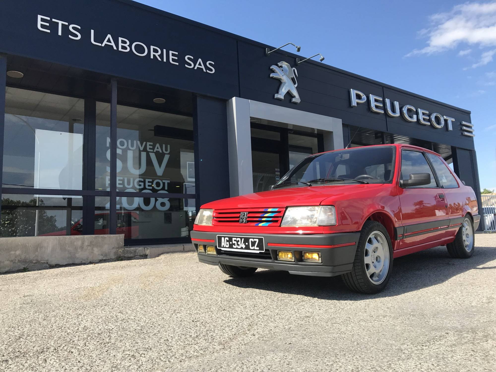 Garage peugeot uz s vente voitures neuves ou d 39 occasion for Garage peugeot cabailh plaisir