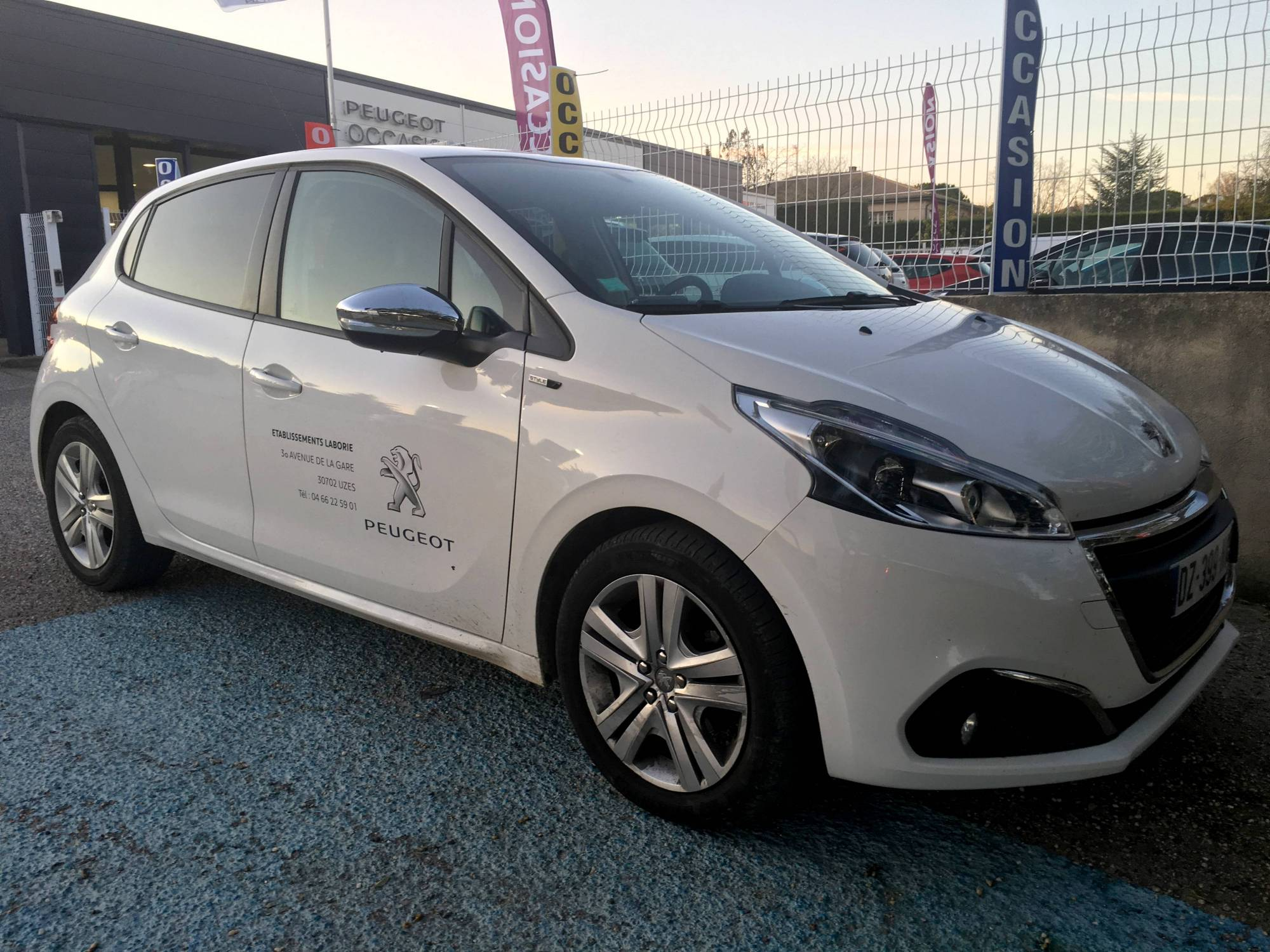 services annexes garage auto peugeot uz s tablissements